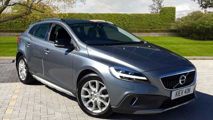 Volvo V40 CC D3 Cross Country Automatic (Winter Pack, Rear Park Assist, Navigation)